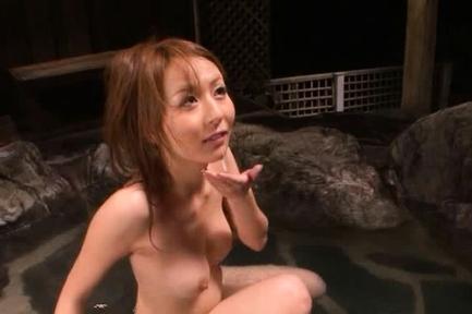 Jessica Kizaki Asian doll enjoys outdoor sex