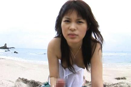 Yuka Kurihara Hot Japanese chick gives a blowjob