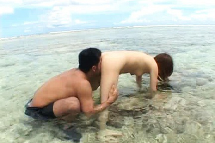 Momo Hot Asian model has sex on the beach