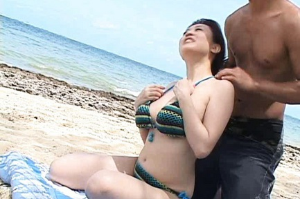 Beach Fucking With Nana Aoyama�s Big Tits Bouncing