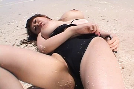 Big Breasted Nana Aoyama Masturbates On The Beach