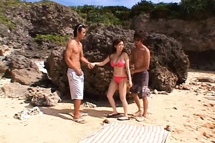 Beach Threesome With Busty Nana Aoyama Screwed