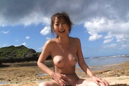 Naughty Rei Aoki Has A Wild Threesome At The Beach