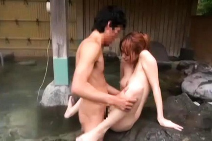 Prefect chick gets plenty of action in the bath