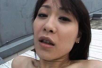 Natsumi Horiguchi Hot Japanese chick gived a blowjob
